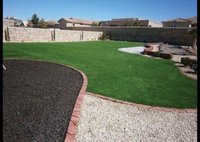 artificial-turf-backyard-lawn